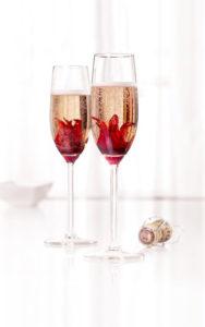 shampanskoe-iz-lepestkov-rozy