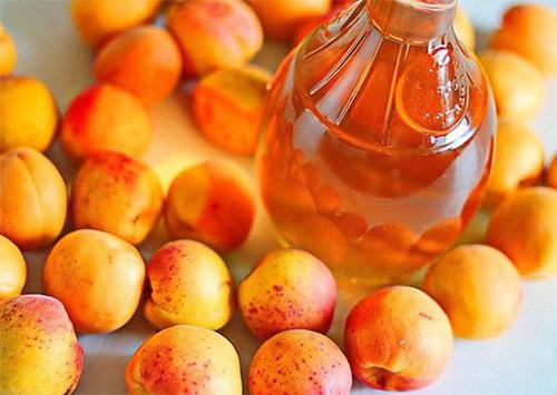 Настойка самогона из абрикосов