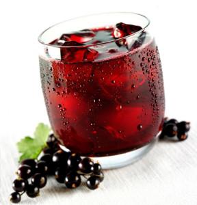 vino-iz-chyornoj-smorodiny-