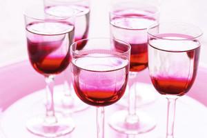 vino-iz-chaynoy-rozyi-4