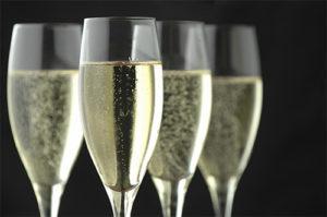 shampanskoe-iz-listev-chernoj-smorodiny-3