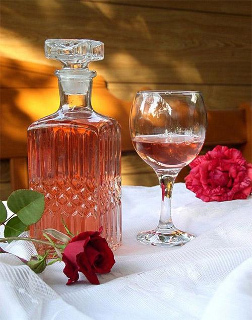 Картинки по запросу настойка из чайной розы